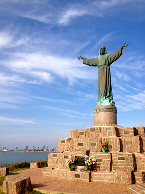 Christ_of_the_fishermen_statue
