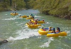 Tubing_the_frio