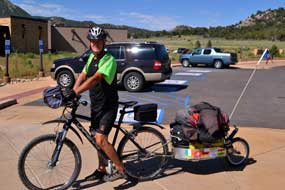 Frenchman peddling across the US