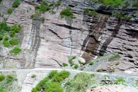 Road along side of sheer cliff