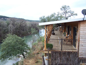 Hideout on the horseshore resort for Floating the guadalupe river cabins