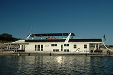 Houseboat rental on Lake Travis
