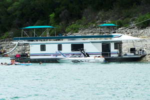 Lake Travis Houseboating