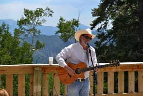 Music on the mountain in Red River