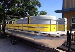 Lake Buchanan pontoon boat rental
