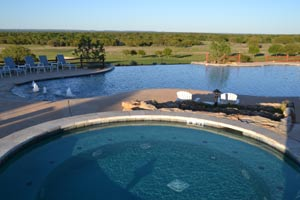 Hot tub at Hideout Golf Club