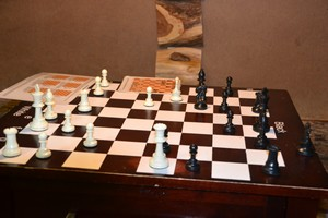 chess board clue at austin panic room