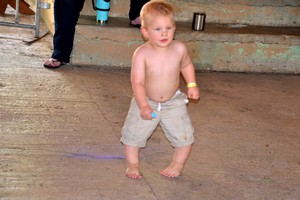 Little kid dancing at Old Settlers