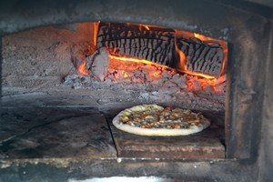 Crusty's Wood Fired Pizza