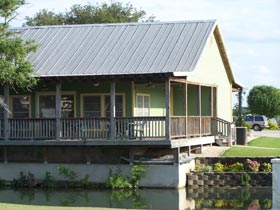 Buckhorn Lake RV Resort Cabin rental
